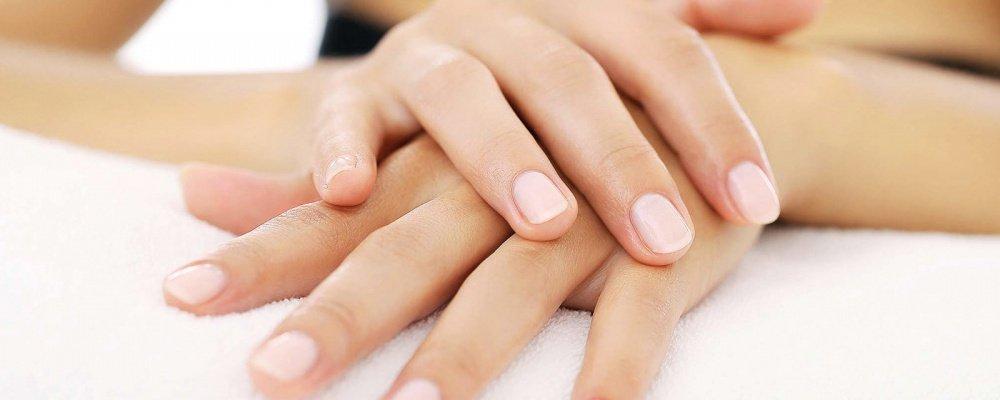 Manicure excl. nagellakken nu € 22,50 bij schoonheidssalon Beauty By Lauren Den Haag